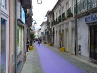 The Bandeira Street is ready for Easter, frestivo