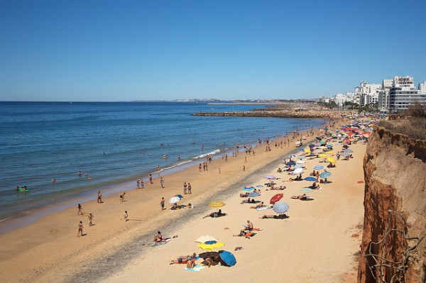 Algarve beach, ©liber/Flickr