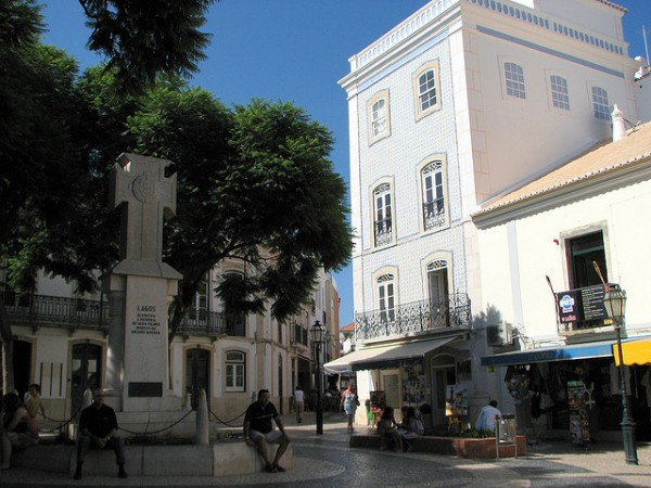 Lagos square in Algarve, ©Glen Bowman/Flickr