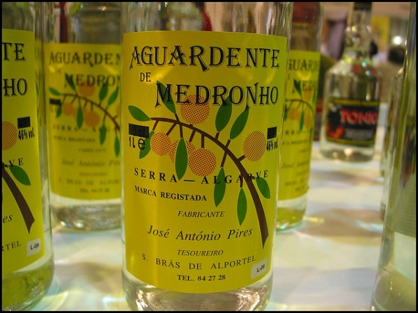 Aguardente de Medronho, ©zone41/Flickr